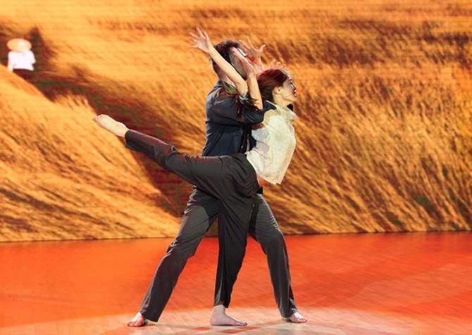 Bước nhảy hoàn vũ 2015: Angela Phương Trinh đạt số điểm kỷ lục - Ảnh 5