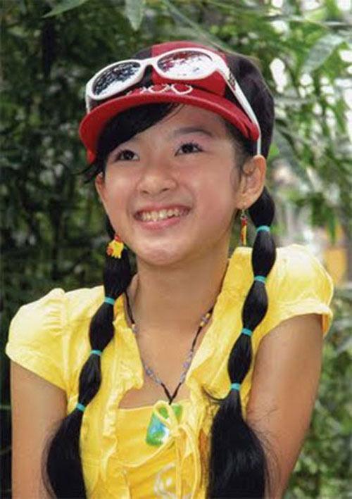 """Angela Phương Trinh: Từ """"Bà mẹ nhí"""" đến """"Công chúa scandal"""" - Ảnh 2"""