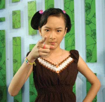 """Angela Phương Trinh: Từ """"Bà mẹ nhí"""" đến """"Công chúa scandal"""" - Ảnh 3"""