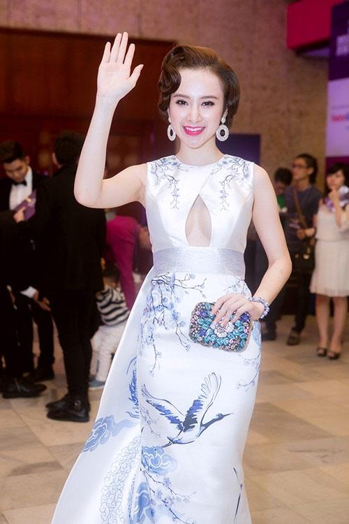 """Angela Phương Trinh: Từ """"Bà mẹ nhí"""" đến """"Công chúa scandal"""" - Ảnh 15"""