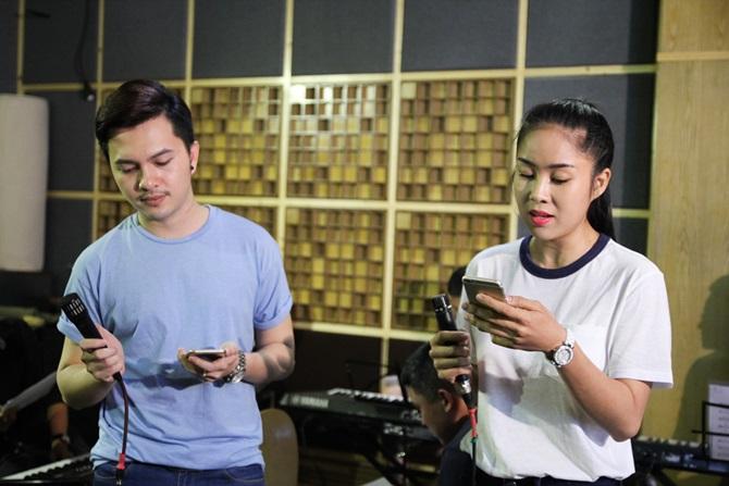 Liveshow Cặp đôi hoàn hảo 2014: Lê Phương chăm chú tập hát cho Nam Cường - Ảnh 2