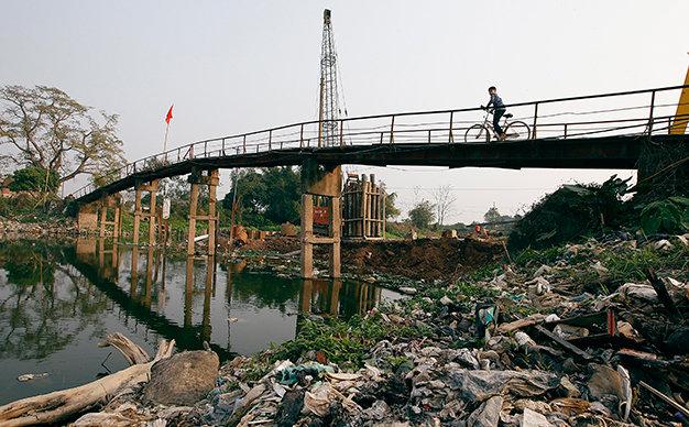 Công bố 10 làng ung thư có nguồn nước ô nhiễm nặng nhất ở Việt Nam - Ảnh 1