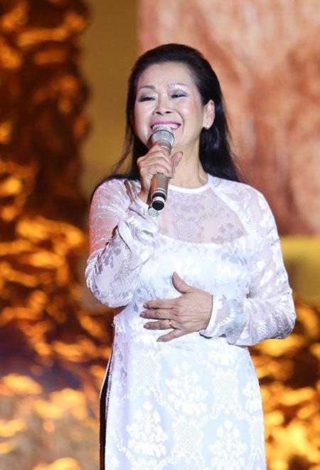 Khánh Ly tiếp tục hoãn liveshow tại Bình Dương  - Ảnh 1