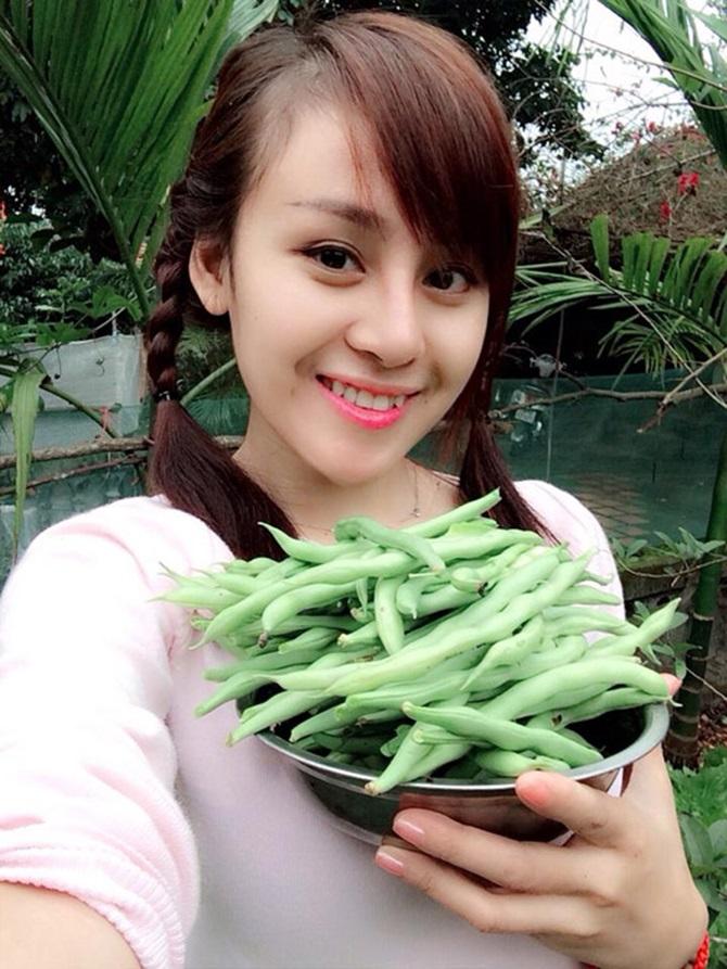 Muôn kiểu đón Tết Ất Mùi 2015 của sao Việt - Ảnh 17