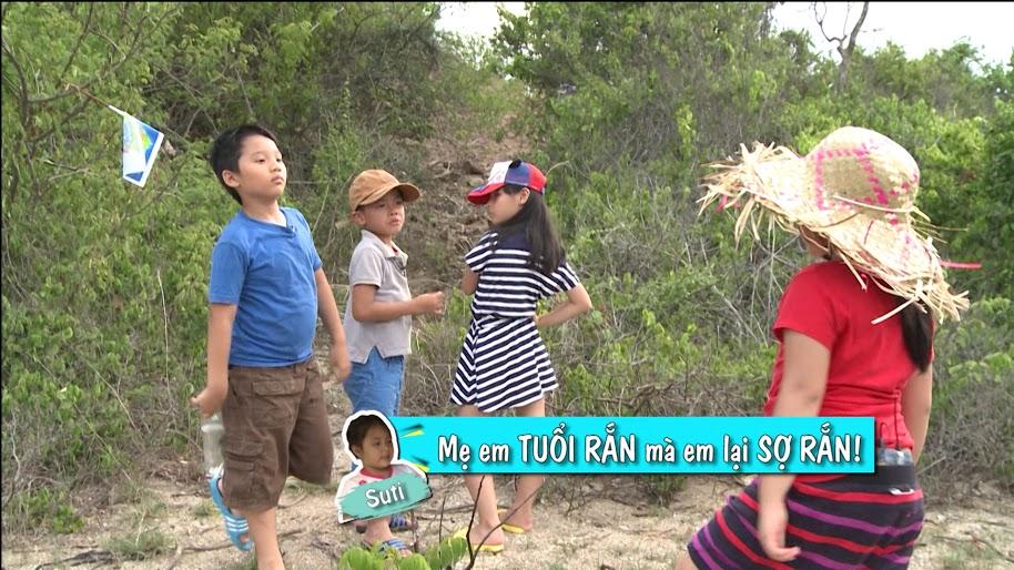 """Tập 15, Bố ơi mình đi đâu thế: Tê Giác """"nấp"""" khi vợ chồng Minh Khang hôn nhau - Ảnh 12"""