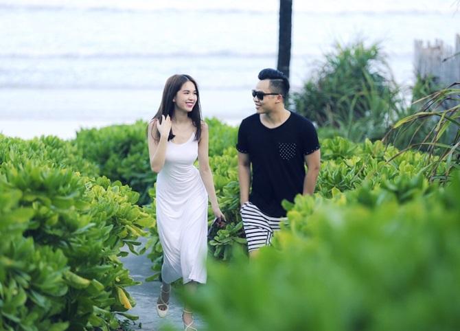Ngọc Trinh - Vũ Khắc Tiệp lãng mạn đạp xe dạo biển ở Côn Đảo - Ảnh 5