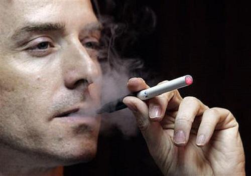 Bỏ thuốc lá vì sức khỏe gia đình - Ảnh 1
