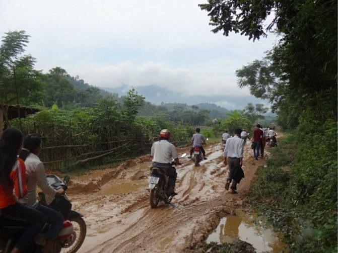 Bản làng vùng cao khao khát một con đường - Ảnh 2