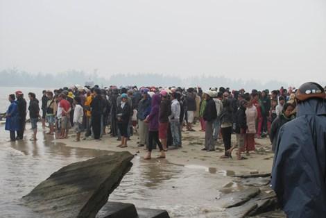 Một người mất tích khi bủa lưới đánh cá trên biển - Ảnh 1