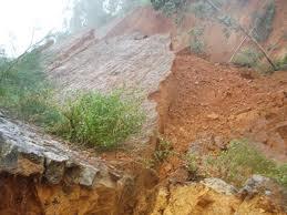 Lạng Sơn: Lở đất lúc rạng sáng, 7 người thiệt mạng - Ảnh 1