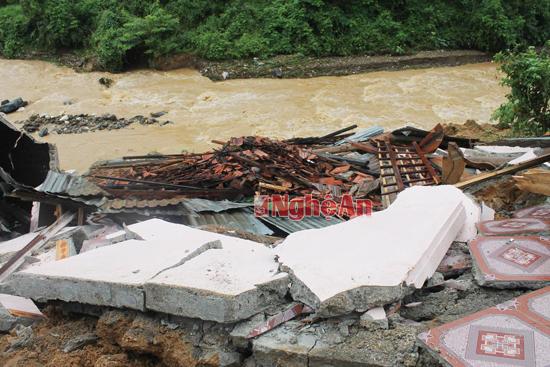 Thiệt hại do mưa lũ ở Tương Dương ước khoảng hơn 1,5 tỷ đồng - Ảnh 1