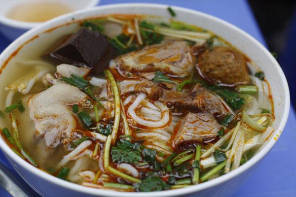 Khám phá hương vị ẩm thực Huế giữa lòng Hà Nội - Ảnh 5