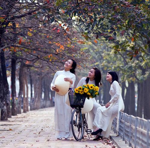 8 địa điểm chụp ảnh lý tưởng cho giới trẻ Hà thành - Ảnh 6