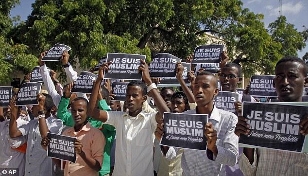 Biểu tình phản đối Charlie Hebdo lan rộng - Ảnh 1