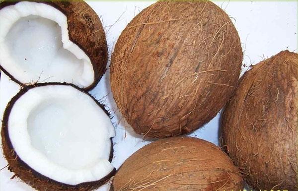 Tự làm mứt dừa vừa sạch vừa ngon đón Tết - Ảnh 1