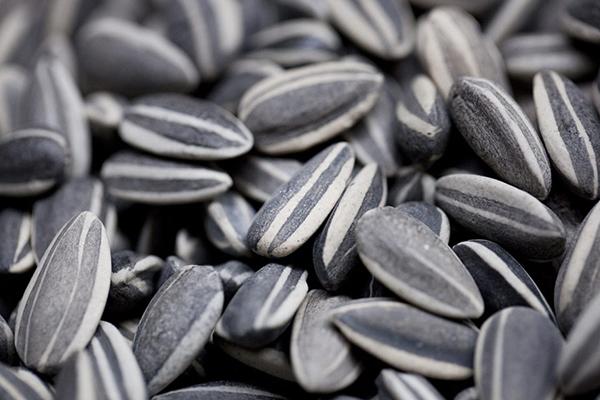 Cách chọn bánh kẹo, mứt và các loại hạt cho Tết Nguyên đán - Ảnh 3