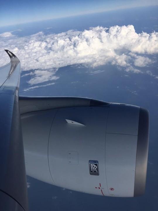 Bộ trưởng Đinh La Thăng bay trình diễn cùng máy bay A350 XWB - Ảnh 9