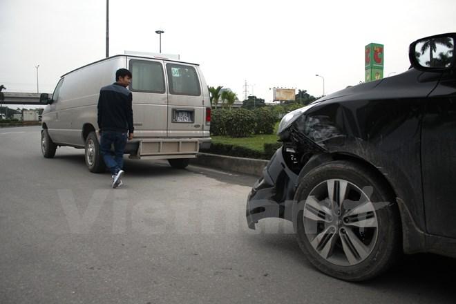 Hà Nội: Xe chở phạm nhân gây tai nạn giao thông - Ảnh 1