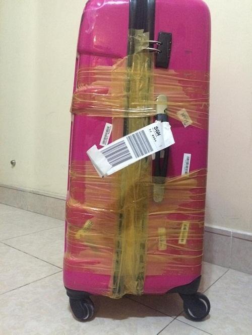 Hành khách lại tố bị rạch hành lý ở sân bay Tân Sơn Nhất - Ảnh 2