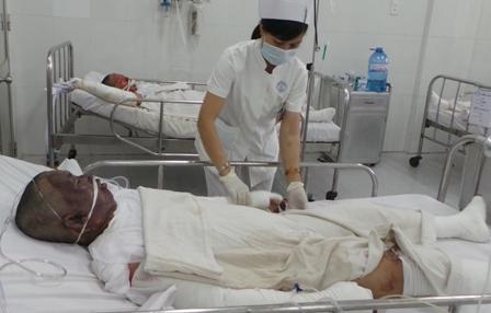 Sài Gòn: Chồng tưới xăng đốt nhà, 3 người trong gia đình tử vong - Ảnh 1