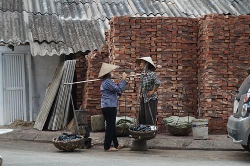 Hà Nội: Miễn phí sử dụng đường bộ cho hộ nghèo - Ảnh 1
