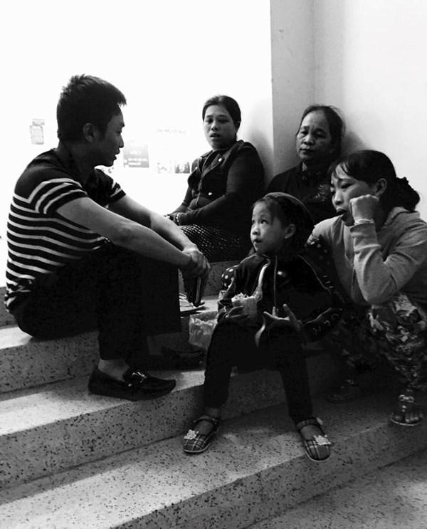 Bỏ The Remix, Hà Hồ về quê dự đám tang nạn nhân vụ đụng xe - Ảnh 2