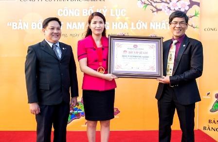 Ngắm bản đồ Việt Nam bằng hoa lớn nhất bên sông Hàn  - Ảnh 9