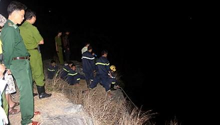 Cắm trại du xuân, nam thanh niên rơi xuống vực sâu 100 mét - Ảnh 1