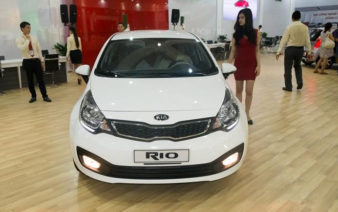 Kia Rio sedan giá chỉ 490 triệu đồng tại Việt Nam - Ảnh 1