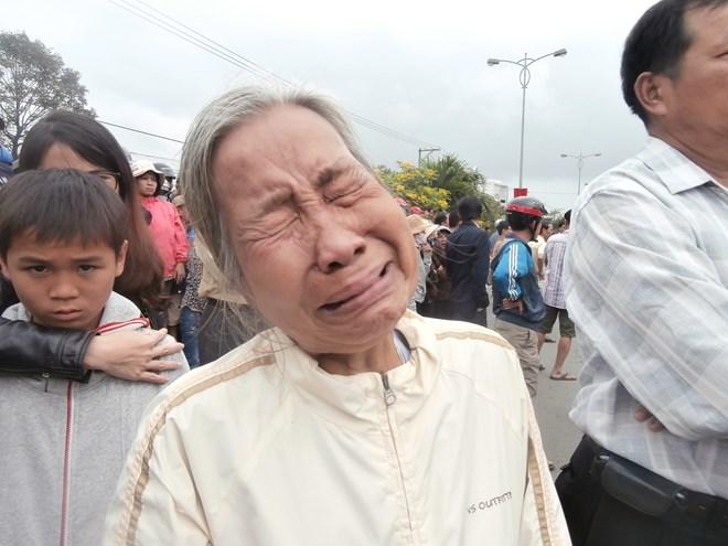 Hình ảnh nghẹn ngào tiễn đưa ông Nguyễn Bá Thanh ngày 30 Tết - Ảnh 3