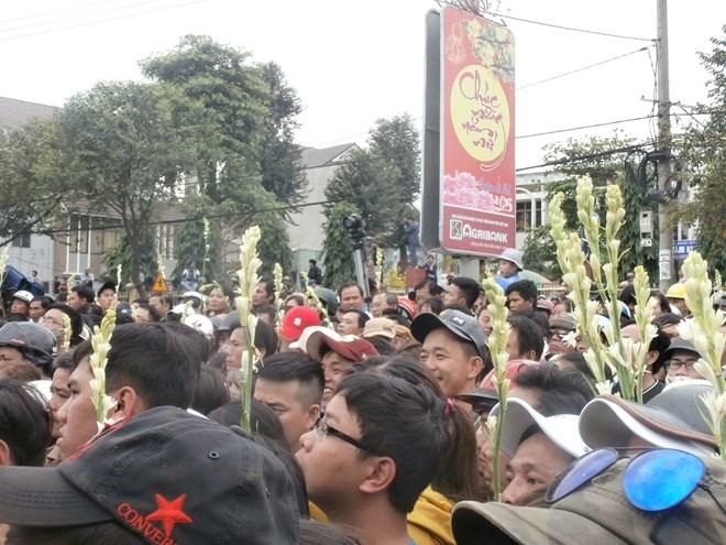 Hình ảnh nghẹn ngào tiễn đưa ông Nguyễn Bá Thanh ngày 30 Tết - Ảnh 4