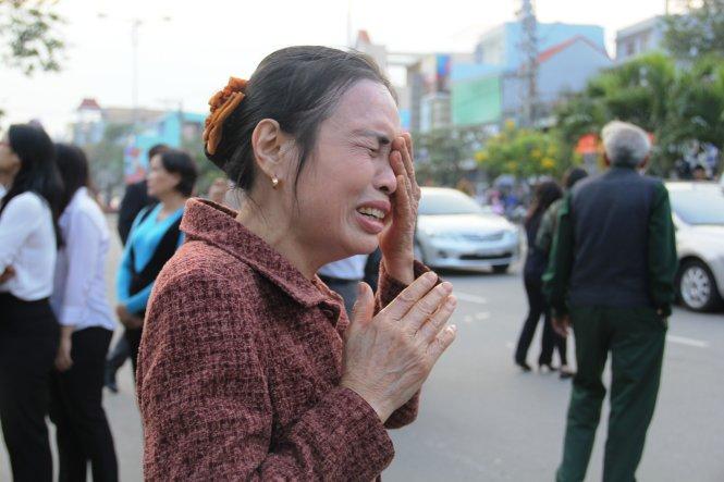 Hình ảnh nghẹn ngào tiễn đưa ông Nguyễn Bá Thanh ngày 30 Tết - Ảnh 8