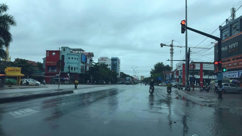 Nghệ An: Người dân ven biển hoảng loạn vì dư chấn động đất - Ảnh 1
