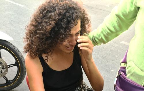 Nữ du khách ngất xỉu khi bất ngờ bị cướp ở trung tâm TP.HCM - Ảnh 1