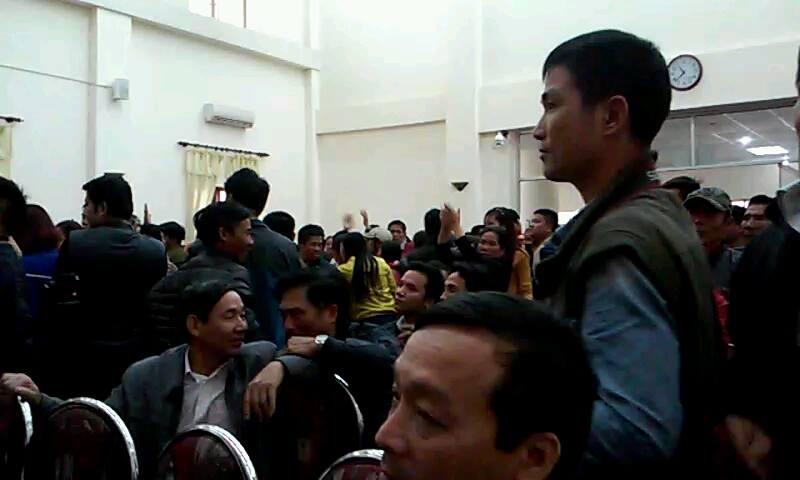 """Nhìn lại cuộc """"đại náo"""" của ngư dân Sầm Sơn trong hơn 10 ngày qua - Ảnh 4"""