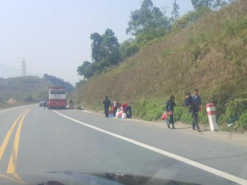 Từ chối phục vụ 3.000 xe quá tải trên cao tốc Nội Bài - Lào Cai - Ảnh 1
