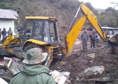 Ít nhất 16 người chết trong vụ lở đất ở Ấn Độ - Ảnh 1