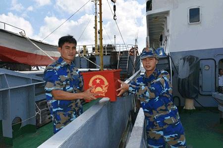 Tàu Bộ Tư lệnh vùng 2 ra Biển Đông tổ chức bầu cử - Ảnh 1