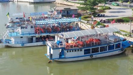 """Từ vụ lật tàu trên sông Hàn: Phát hiện nhiều thuyền trưởng lái """"chui"""" - Ảnh 2"""
