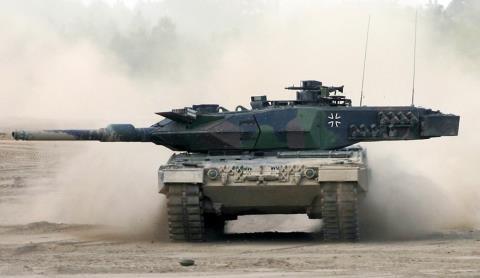 Nguy cơ đụng độ Nga-NATO: T-14 Armata thách thức tất cả - Ảnh 4
