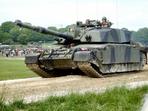 Nguy cơ đụng độ Nga-NATO: T-14 Armata thách thức tất cả - Ảnh 6