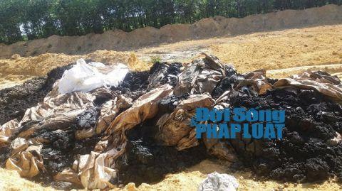 Vụ chôn chất thải Formosa: Giao tang vật cho đối tượng vi phạm? - Ảnh 1