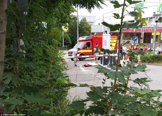 Hiện trường vụ xả súng vào trung tâm mua sắm ở Đức - Ảnh 3