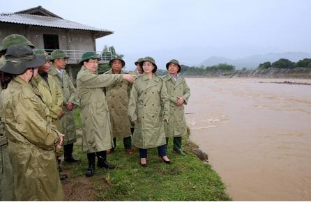 Phó Thủ tướng: Cần lập bản đồ chi tiết khu vực sạt lở đất, lũ quét - Ảnh 1