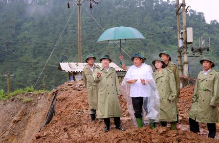 Phó Thủ tướng: Cần lập bản đồ chi tiết khu vực sạt lở đất, lũ quét - Ảnh 2
