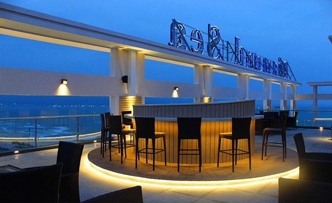 Thăm quan khách sạn 4 sao đầu tiên ở Mỹ Khê, Đà Nẵng - Ảnh 2