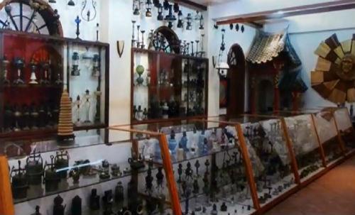 Bí ẩn thời gian trong bộ sưu tập đèn cổ nghìn năm tuổi - Ảnh 1
