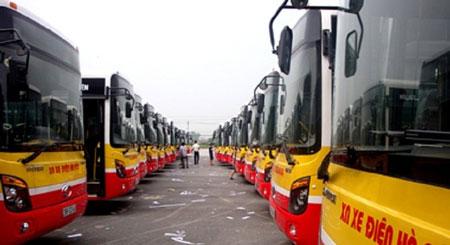"""Sự thật bất ngờ về """"xe buýt ma"""" không người lái giữa phố Hà Nội - Ảnh 2"""