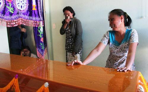 """Bé gái mất tích chết ở Campuchia: """"Tôi không bán nội tạng của con để trả nợ"""" - Ảnh 1"""