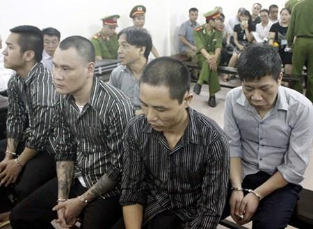 Hoãn xử nguyên Phó ban tổ chức Quận ủy phạm tội giết người - Ảnh 1
